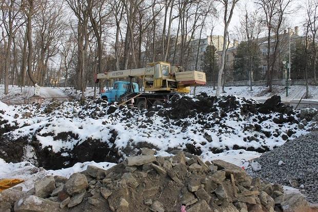 Парк Героїв Євромайдану. Буріння