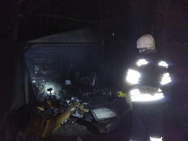 Пожежа гаража. Кам'янець-Подільський