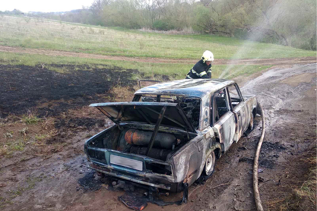 Згоріле авто. Чемеровеччина.